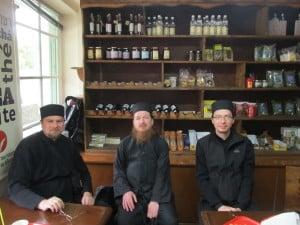 Карьес. С русским монахом о. Герасимом, насельником кельи монастыря Кутлумуш.