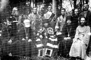 Отец Киприан сидит крайний справа.